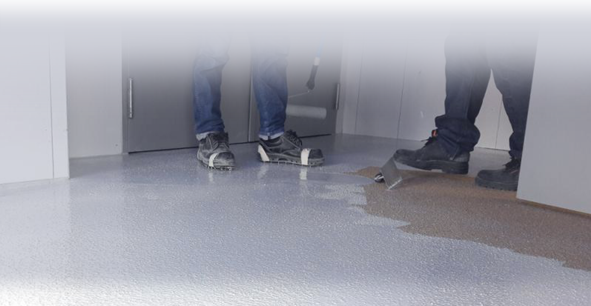 Breathable waterborne epoxy self-leveling KERASEAL WB40